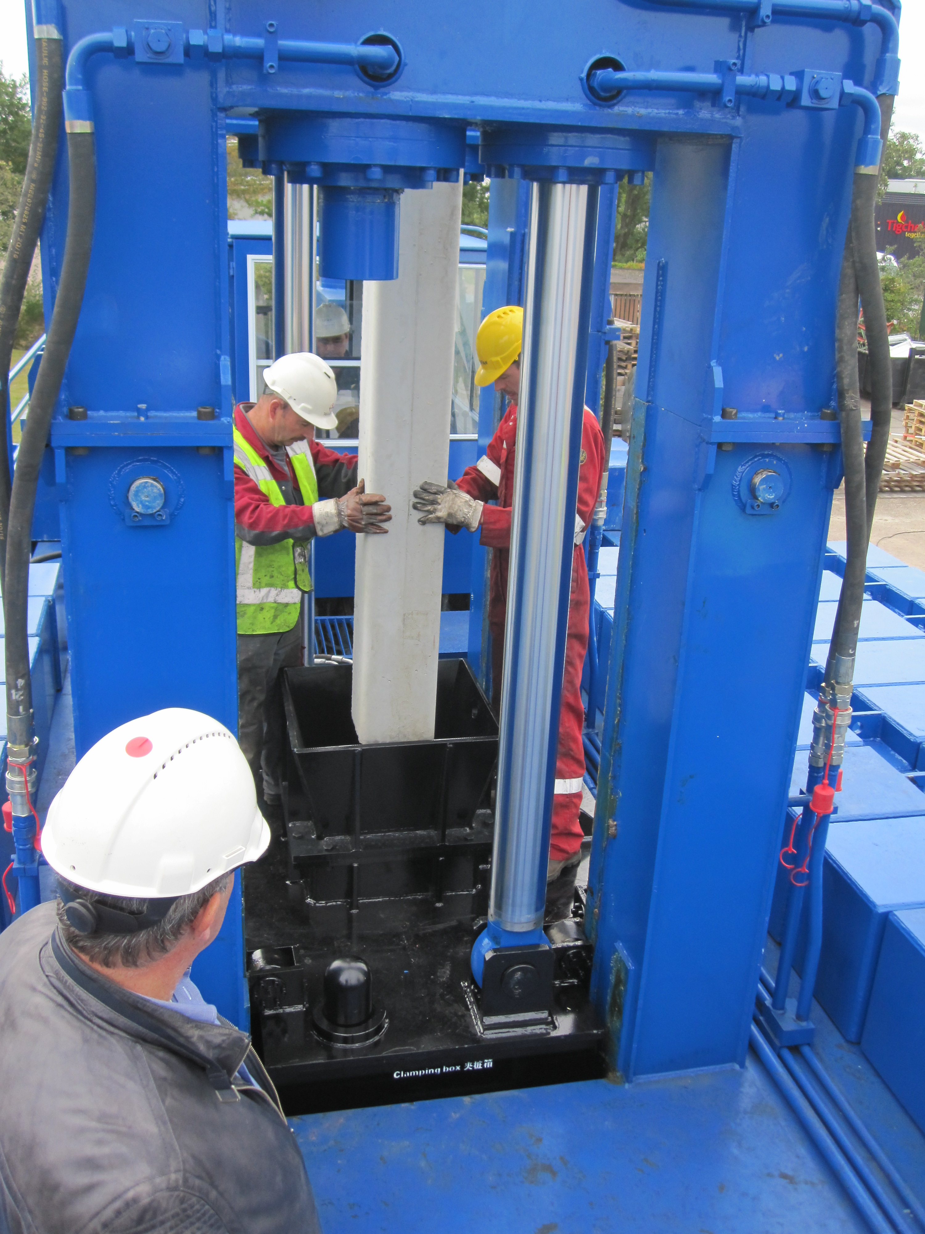 Hydraulic pile pusher