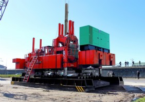 Hydraulic pile pushers