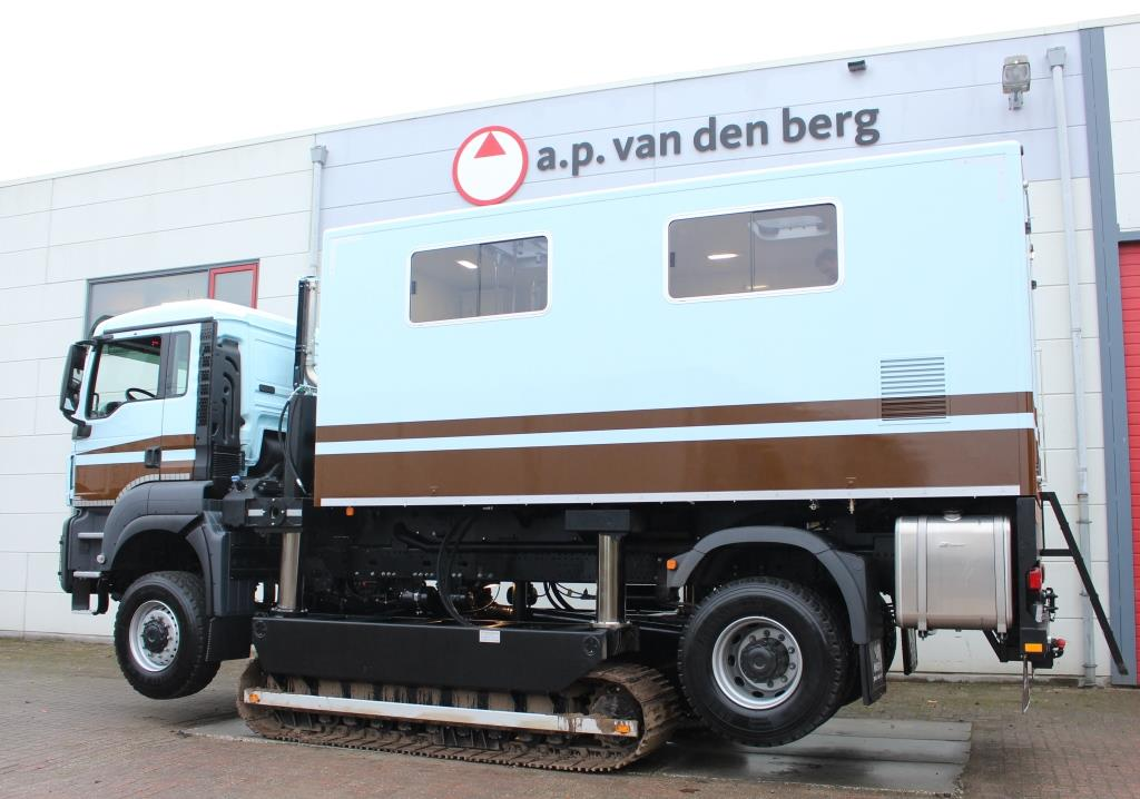 track truck a p van den berg. Black Bedroom Furniture Sets. Home Design Ideas